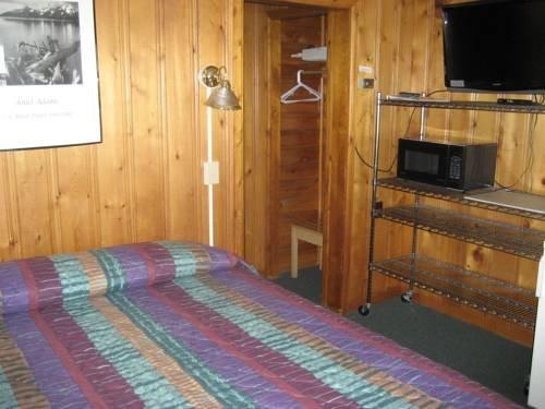 фото Trail Riders Motel 677472673