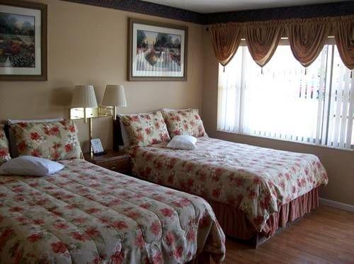 фото Columbine Motel 677472776