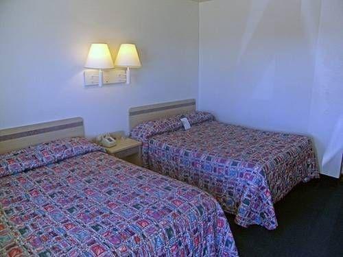 фото Motel 6 Pueblo - I-25 677474508