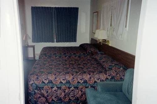 фото Budget Host Derrick Motel 677476316