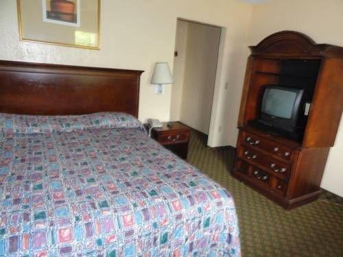 фото Travel Inn Motel 677478990