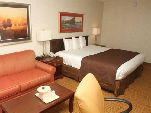 фото CoCo Key Water Resort Hotel - Waterbury 677480069
