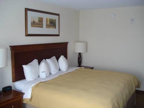 фото Comfort Inn & Suites 677480434