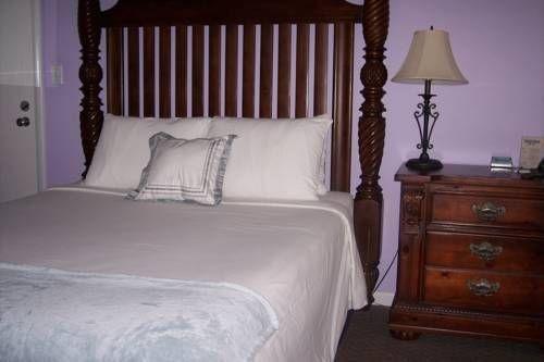 фото Cheston House - A Gay Resort 677489499