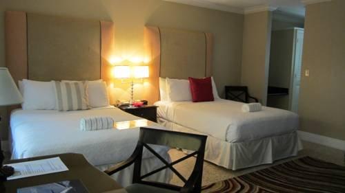фото Schubert Resort ( Male Gay Resort) 677490591