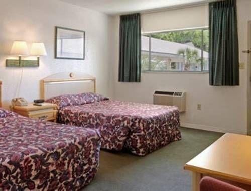фото Days Inn - University 677491883