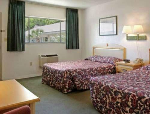 фото Days Inn - University 677491886