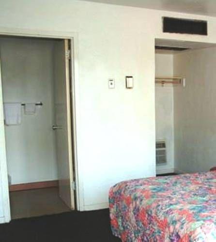 фото Fountain Inn & Suites 677492219