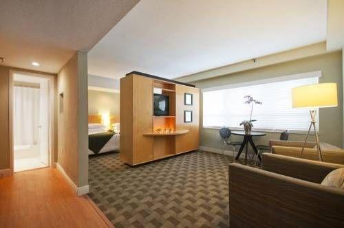 фото Crest Hotel Suites 677502196