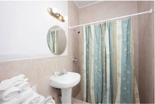 фото Berkley Shore Hotel 677503631