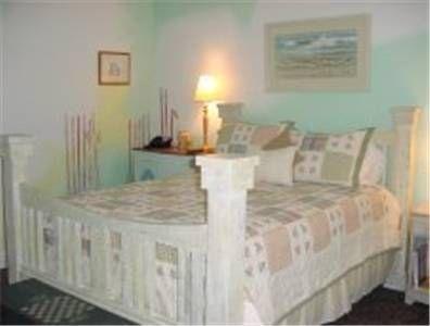фото Longboard Inn Bed and Breakfast 677504938
