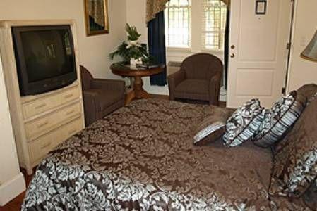 фото 1876 Heritage Inn 677505550