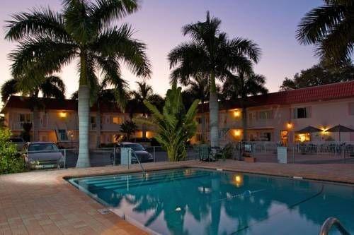 фото Hibiscus Suites Inn 677512450