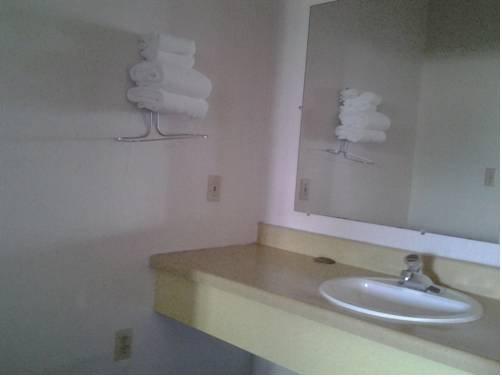 фото Economy Inn Sebring 677512825