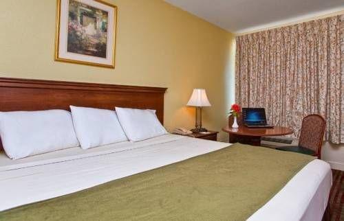 фото Americas Best Inn & Suites - Downtown Augusta 677517316
