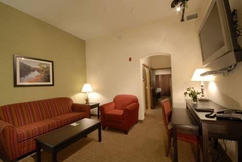 фото Hawthorn Suites by Wyndham - Kingsland 677520217
