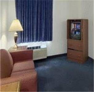 фото Red Roof Inn & Suites Savannah Airport 677522371
