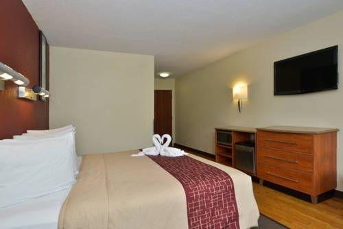фото Red Roof Inn & Suites Savannah Gateway 677522950
