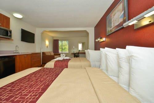 фото Red Roof Inn & Suites Savannah Gateway 677522952