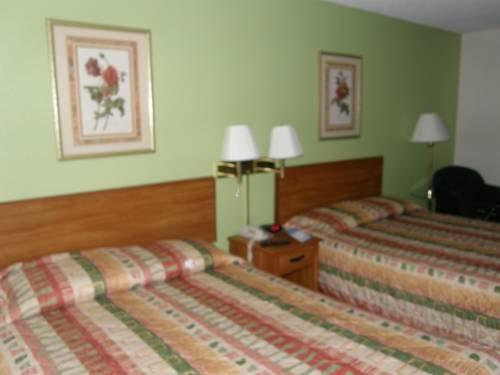 фото Baymont Inn And Suites Stockbridge 677523348