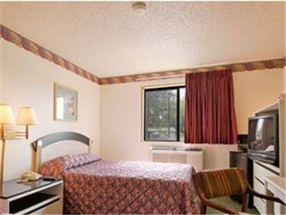 фото Super 8 Hotel 677524116