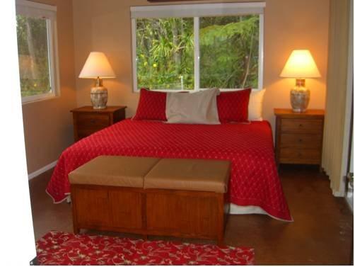 фото Sarah`s Big Island Guest House Kailua - Kona 677528709