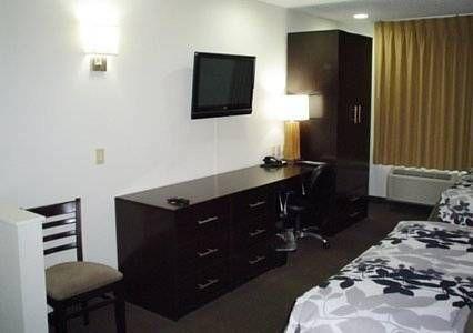 фото Sleep Inn & Suites Danville 677534894
