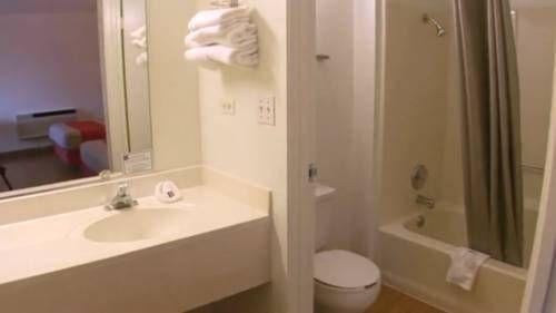 фото Motel 6 Chicago - Elk Grove 677535417