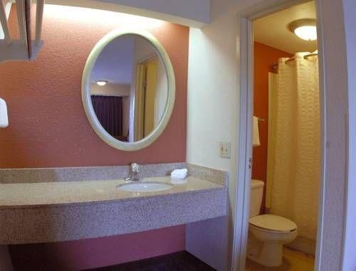 фото Red Roof Inn Joliet 677536385