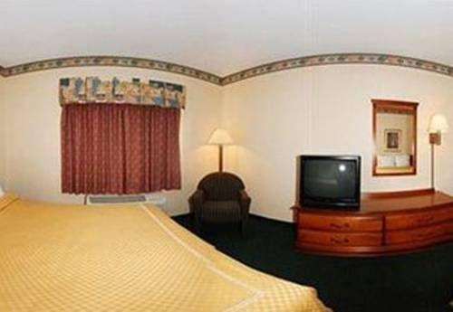 фото Comfort Suites Lombard O`Hare 677536726