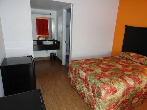 фото Americas Best Value Inn Metropolis 677536994