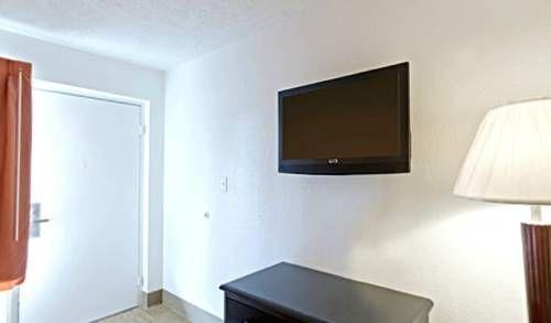фото Americas Best Value Inn Metropolis 677537000
