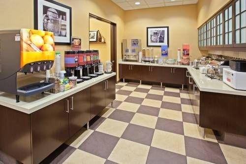 фото Hampton Inn & Suites Chicago North Shore 677538987