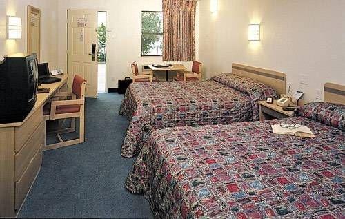 фото Motel 6 Anderson 677539968