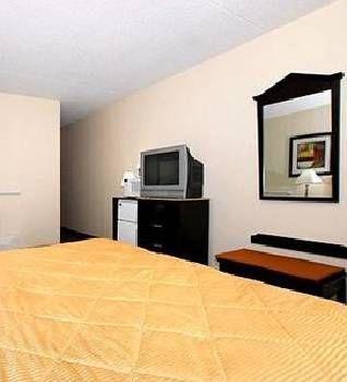 фото Days Inn Fort Wayne 677541218
