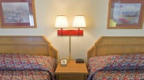 фото Econo Lodge Shelbyville 677543988