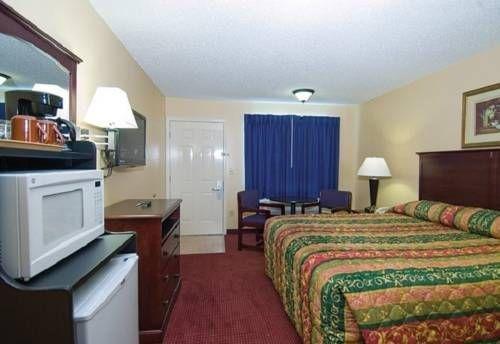 фото Western Inn Plus Denham Springs 677553429