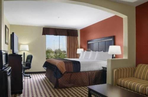фото Baymont Inn & Suites Sulphur 677556401