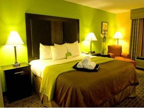 фото La Quinta Inn & Suites Baltimore South/Glen Burnie 677560962