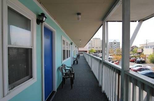 фото Parrot Lagoon Motel 677562663