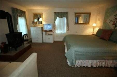 фото Cape Cod`s Lamb and Lion Inn 677563609