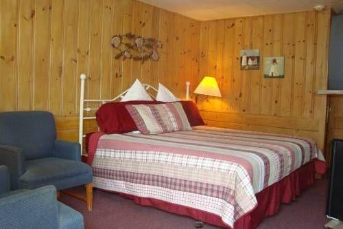 фото Town & Beach Motel 677565970