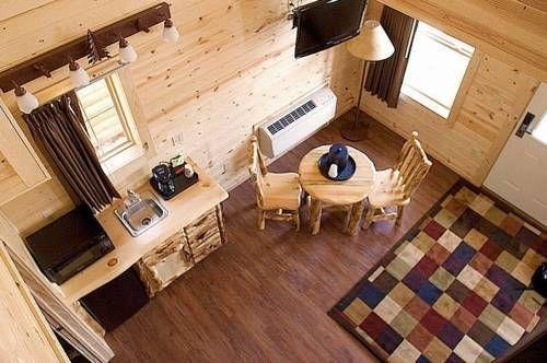 фото Cabins of Mackinaw 677573438