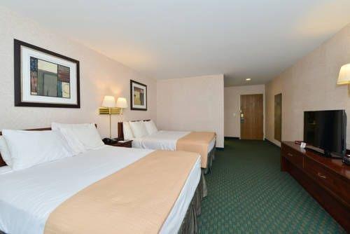 фото Best Western Plaza Hotel Saugatuck 677574763