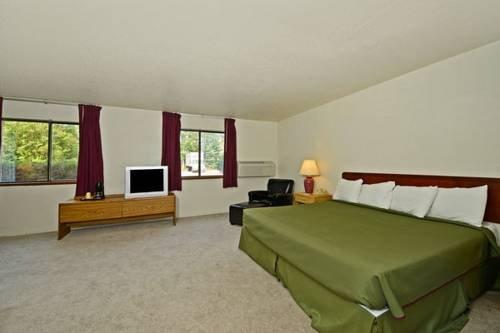 фото Americas Best Value Inn - Whitehall 677575538