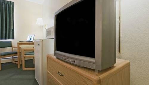 фото Americas Best Value Inn & Suites Detroit Lakes 677576499