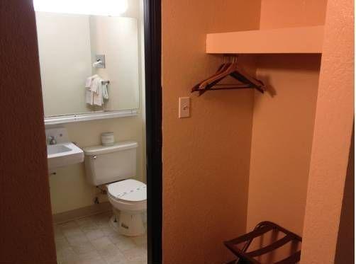 фото Budget Host Inn 677577295