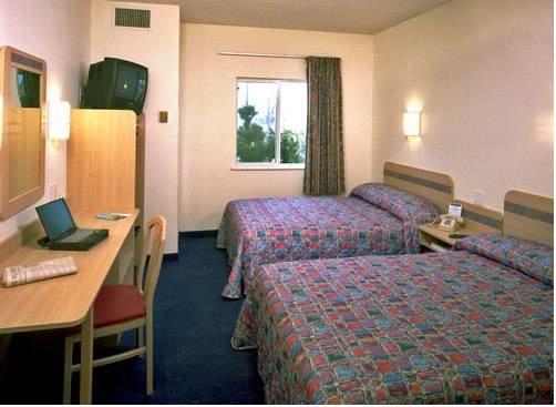 фото Motel 6 Kansas City East - Blue Springs 677581384
