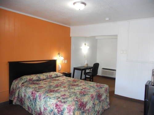 фото Cortez Motel - Harrisonville 677583561