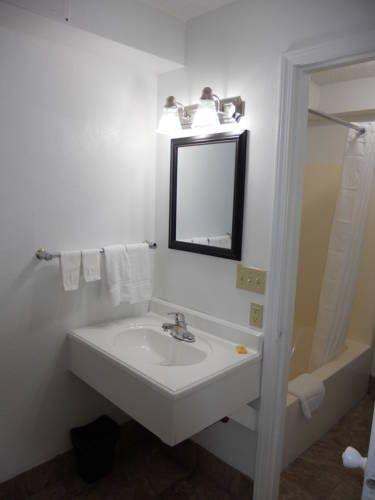 фото Cortez Motel - Harrisonville 677583563